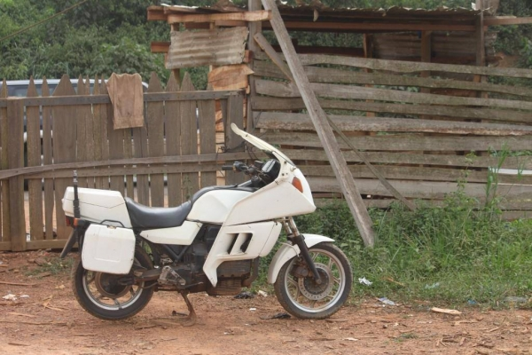 moto-32CB00AD9-62A0-4E76-A6A4-D9037D8151D6.jpg